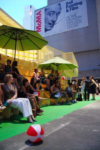 A happy summer crowd chilling on the steps of BURST*008. Photo © 2008 Teri Duerr.