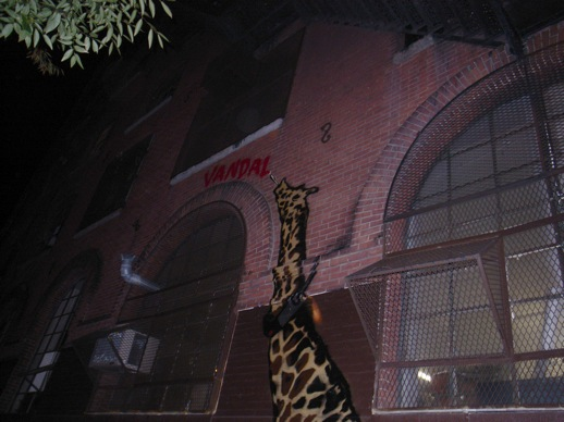 Last stop, Nick Walker's big giraffe licking vandal. Photo © 2008 Kosuke Fujitaka.