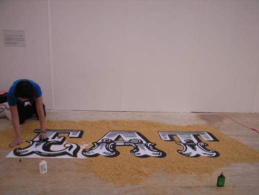 Costa Rica artist Lucia Madriz, making her work from dry corn.